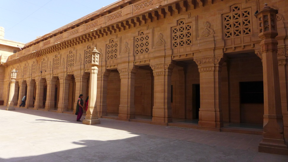 What to Do in Jodhpur, India; Backpacking India; Backpacking Rajasthan and Agra; D.I.Y. Rajasthan; D.I.Y. Jodhpur; Umaid Bhawan Palace