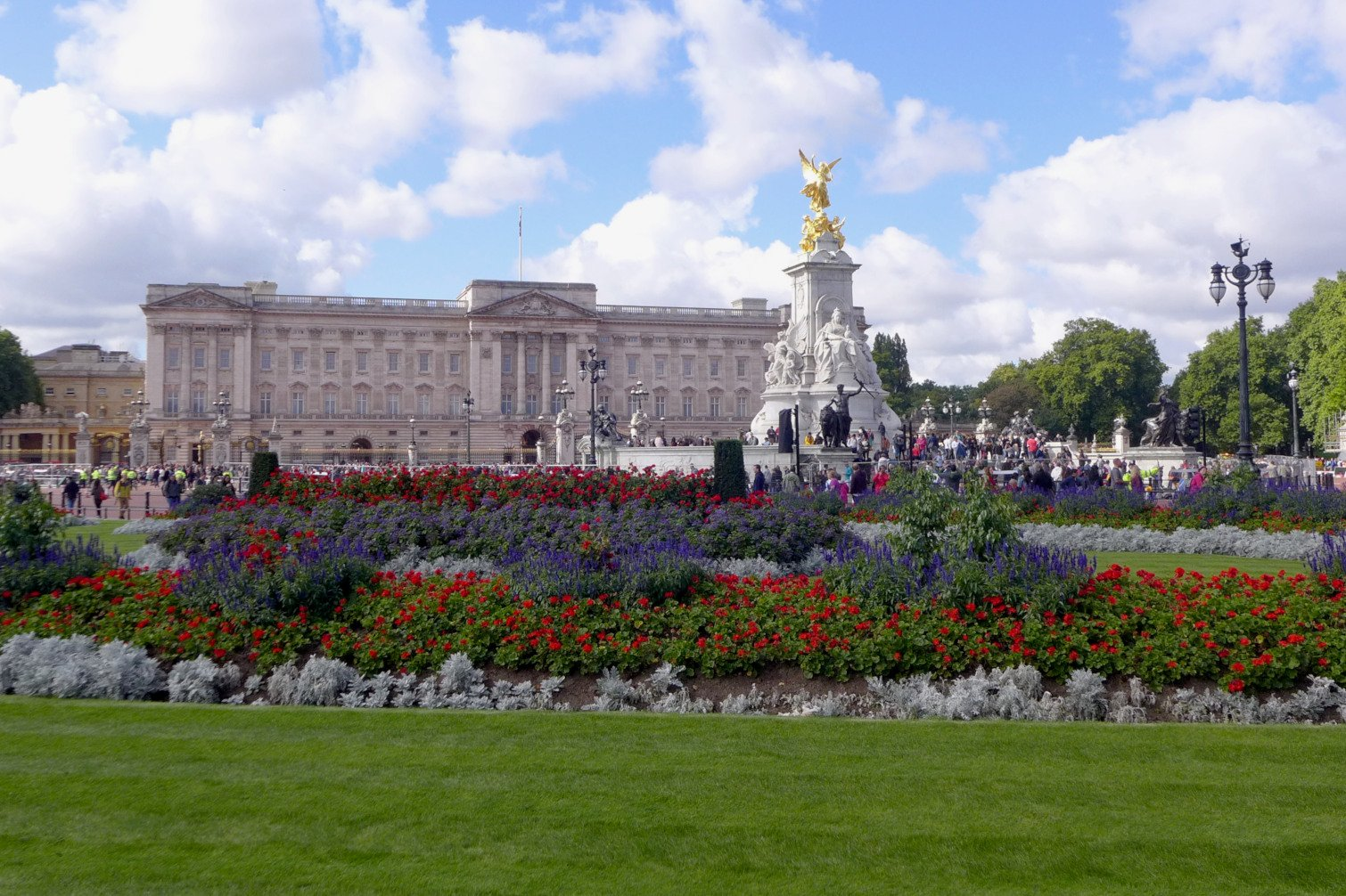London travel; What to do in London; What to see in London; D.I.Y. London itinerary